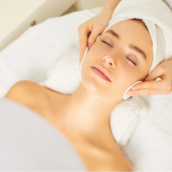 Tratamento Facial - Limpeza de Pele Premium